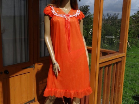GENUINE VINTAGE 1960'S ORANGE DOUBLE LAYER SEE THRU NYLON NIGHTIE - WOMANS
